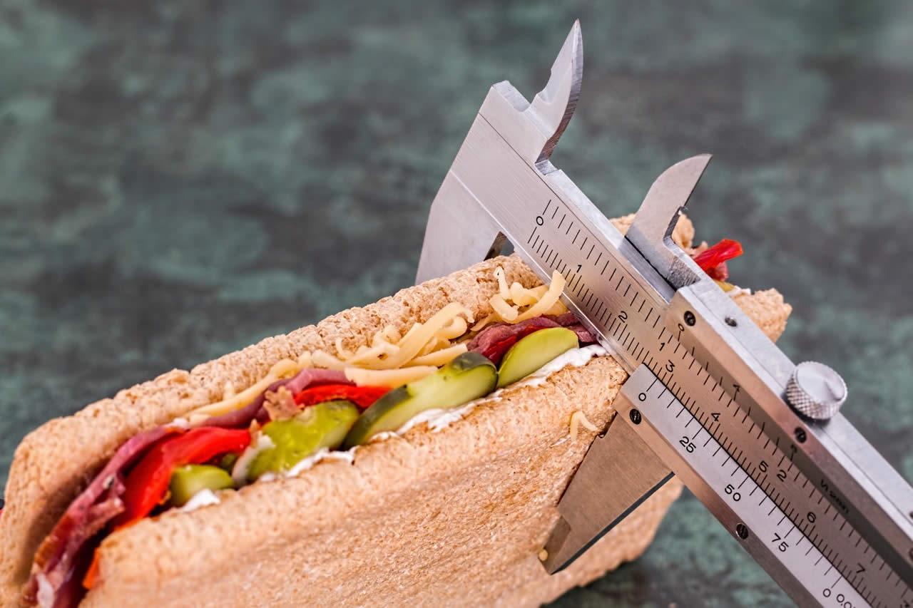3 consejos para comer menos y bajar de peso